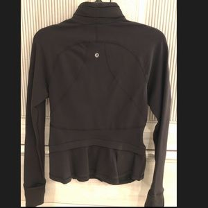 Lululemon stretchy and fitted black jacket